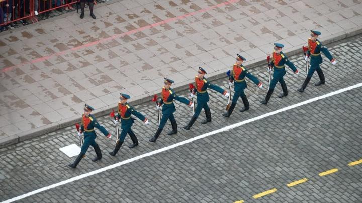Репетицию парада Победы в Екатеринбурге впервые проведут днем. Раскрываем программу праздника