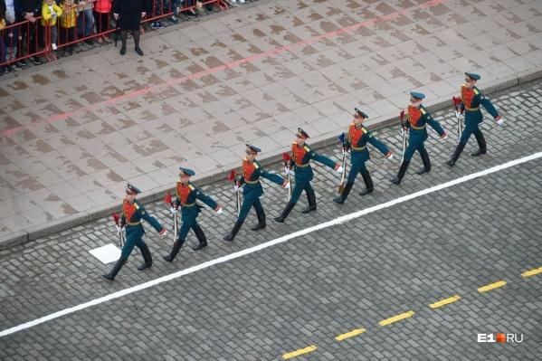 7 мая в 10:00 на площади начнут генеральную репетицию парада