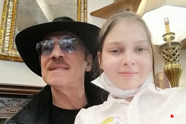 В Санкт-Петербург Ксюша приехала на лечение и не ожидала, что сможет разбавить больничные будни встречей с Михаилом Боярским