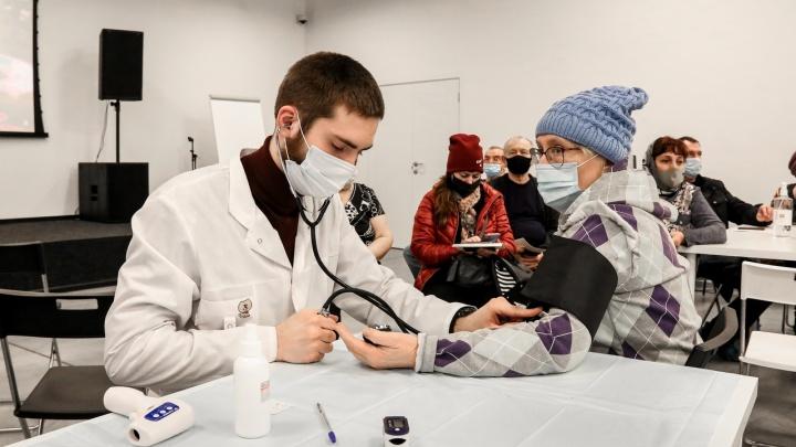 «Спрос на вакцинацию вырос». Нижегородский Минздрав ожидает рост количества привившихся более чем на 30%