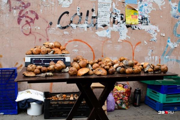 Богатый выбор и возможность выбрать грибы на свой вкус — такие вот плюсы покупки на рынке