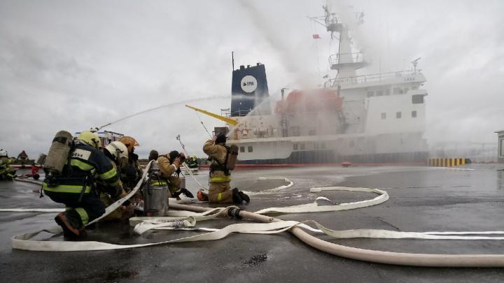 МЧС проводит масштабные Арктические учения по разливу нефти: прямой эфир 29.RU