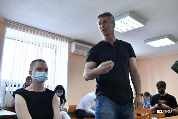 После девяти суток ареста Ройзман должен будет выполнить обязательные работы