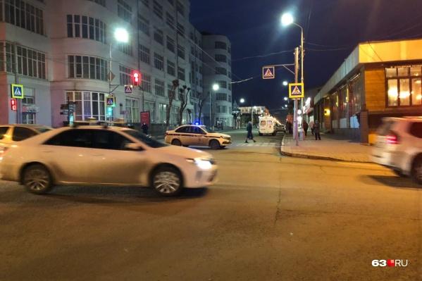 Экипажи ГИБДД выставили на пересечении Куйбышева и Красноармейской