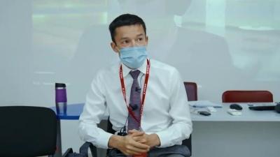 Вакцинированным дадут наклейки вместо масок. В Тюмени риелторов мотивируют сделать прививку