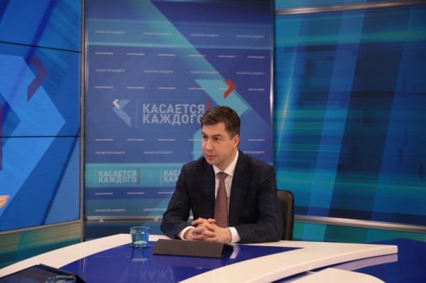 Глава администрации пообещал также построить новые дороги