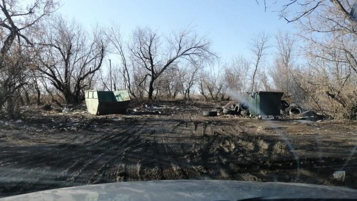 В Волгограде мусорный оператор очистил Селезнёвку от кучи выброшенных покрышек