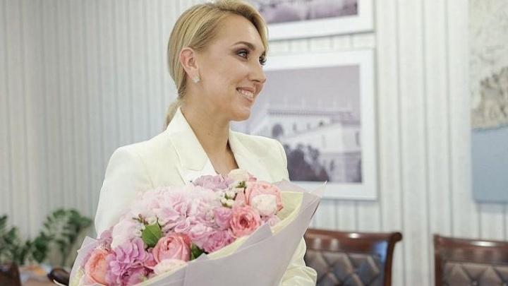 Сочинской теннисистке Елене Весниной подарили джип за 5 млн рублей. В этот же день у нее украли олимпийские медали и драгоценности