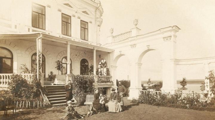 Как на старинных фото: в Доме Мешкова возрождают цветники XIX века