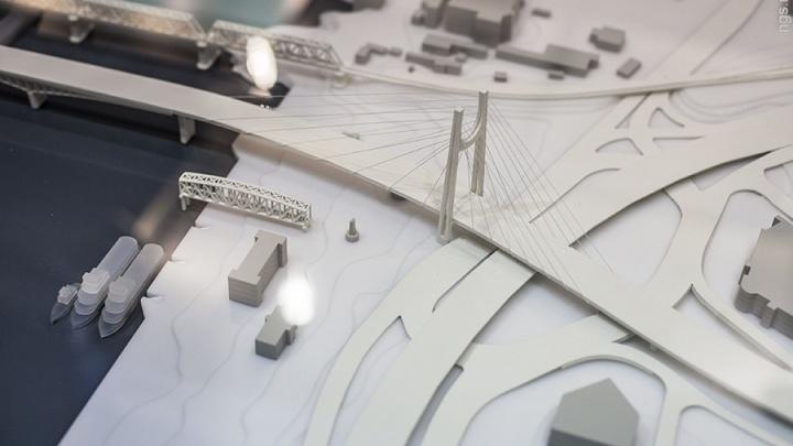 «Уничтожить их на фиг»: депутаты 2,5 часа выясняли у строителей четвертого моста, куда исчезли 500 млн