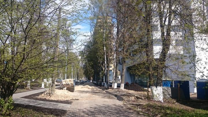 Благоустройство сквера на проспекте Гагарина должны завершить до 1 августа