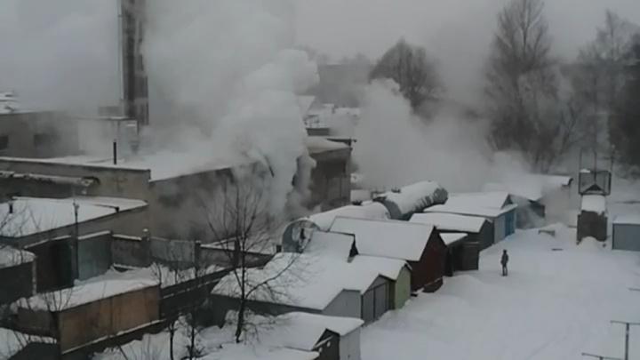 «В городе практически ЧС»: из-за коммунальной аварии в Ярославской области без тепла остались сотни людей