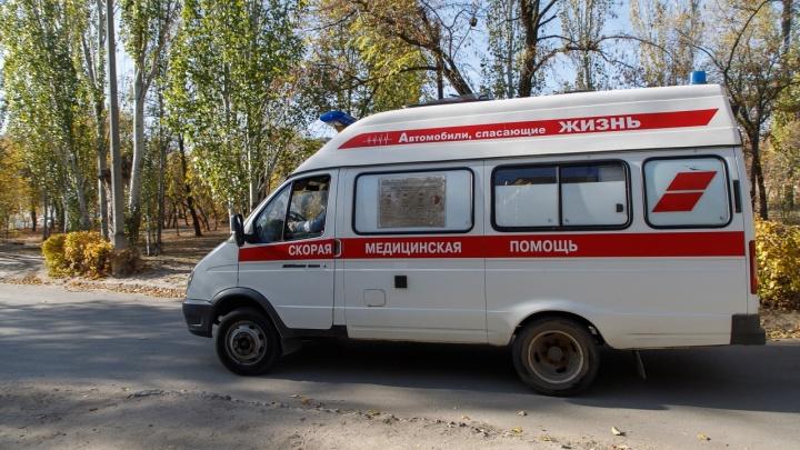 В Волгограде 13-летний школьник на мопеде протаранил Opel. Есть пострадавшие