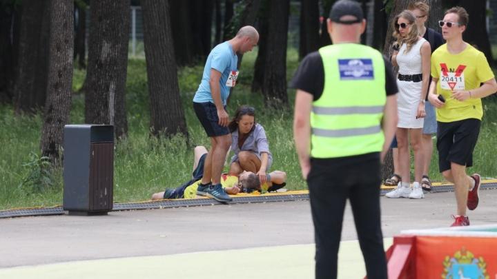 В Самаре во время легкоатлетического мероприятия «ЗаБег» плохо стало сразу нескольким участникам
