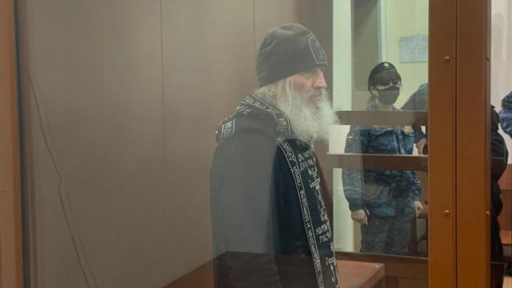 «Кушает с аппетитом»: экс-схимонах Сергий прекратил голодовку