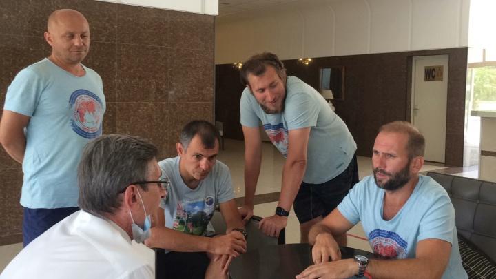 В Чаде извинились перед задержанными новосибирцами — среди них создатель паблика «АСТ-54» и путешественник