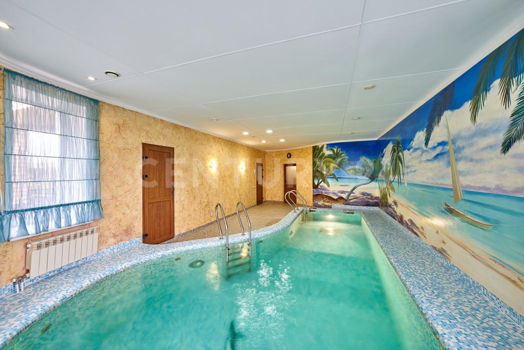 Свой бассейн в доме