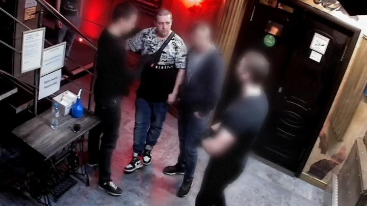 Забил до смерти: в Тольятти около ночного клуба произошла бойня