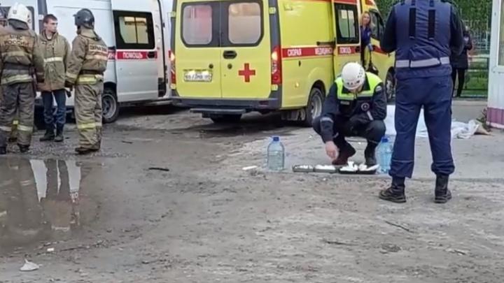 В Нижневартовске 28-летний водитель насмерть сбил на остановке женщину и скрылся с места ДТП