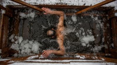 Полиция три дня будет патрулировать водоемы в Новосибирске из-за Крещения