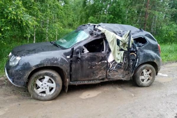 Машина съехала с дороги по не известной пока причине