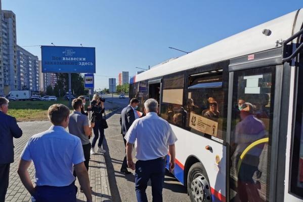 Владимир Волков отметил, что ему пришлось плотно стоять с пассажирами
