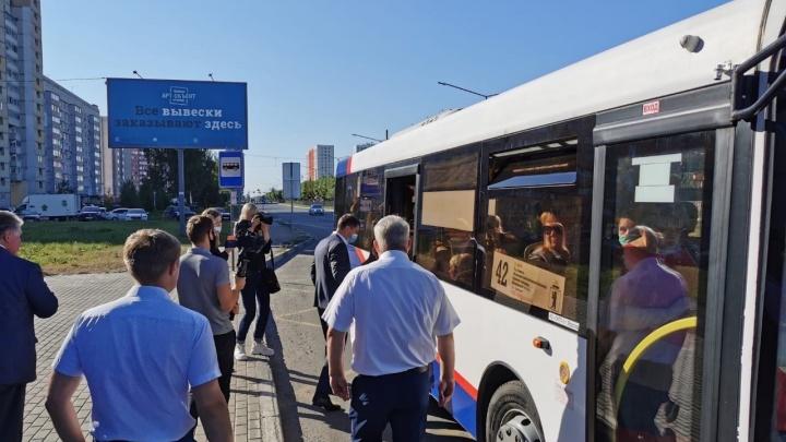 Владимир Волков прокатился в автобусе в час пик