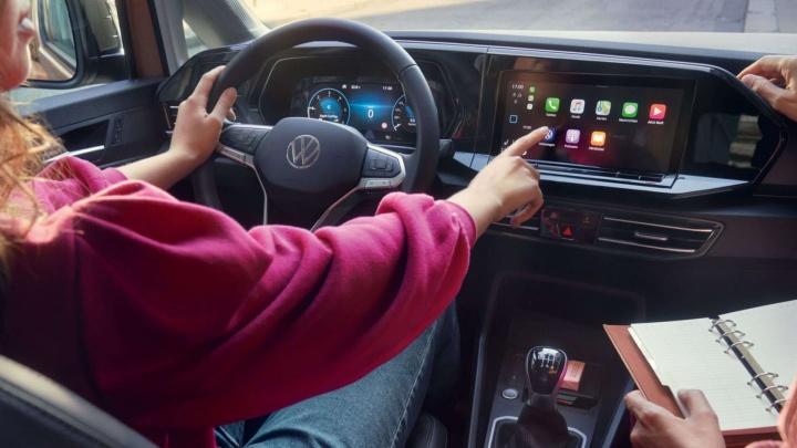 Новый Volkswagen Caddy: обзор пятого поколения популярной модели минивэна