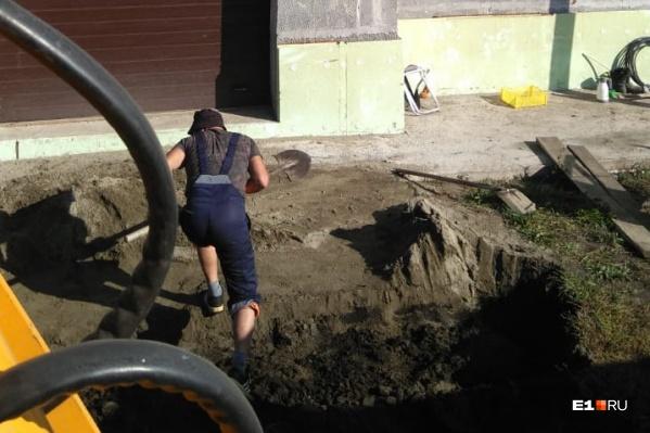 Сотрудники ДЭУ жаловались, что их отправляли работать на участке начальства в Косулино, однако надзорные органы решили, что выезд был организован по закону