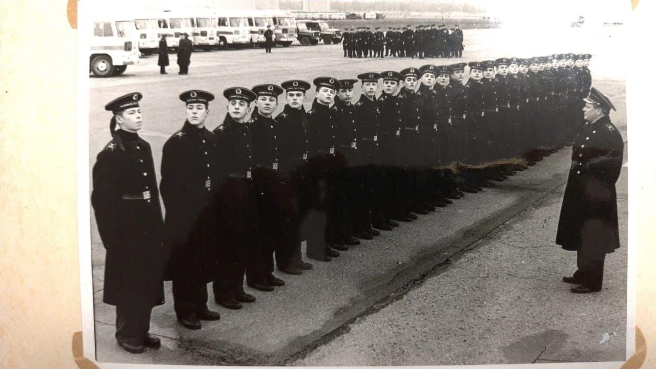 фотография из выпускного альбома 62 класса ЛНВМУ, 1985 год /предоставлено Сергеем Зелениным