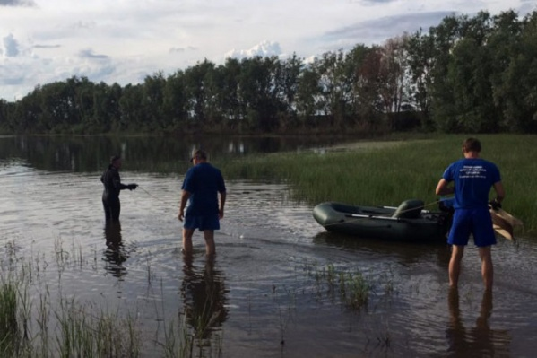 В поисках были задействованы три спасателя