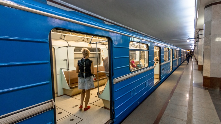«Продлят срок службы на 15 лет»: вагоны самарского метро отправили на ремонт