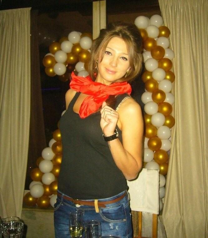 Тут блогер празднует свое 21-летие. «Талия вышла из чата», — прокомментировала это фото Настя в социальных сетях.