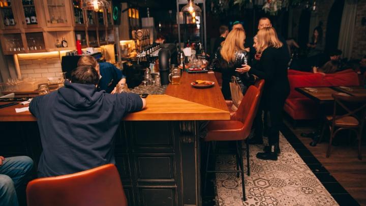 В московские кафе запретили вход непривитым. Может ли такое повториться в Тюмени?