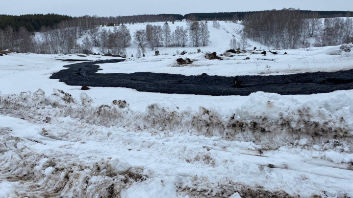 Дырявая труба, из которой вытекла река топлива, принадлежит «Башнефти». В компании объяснили причину ЧП
