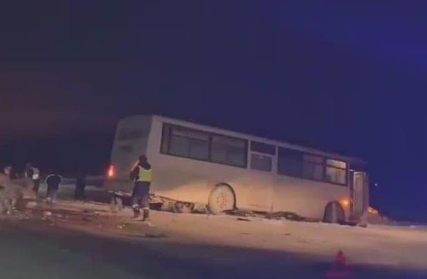 На трассе М-5 под Челябинском водитель автобуса устроил смертельное ДТП