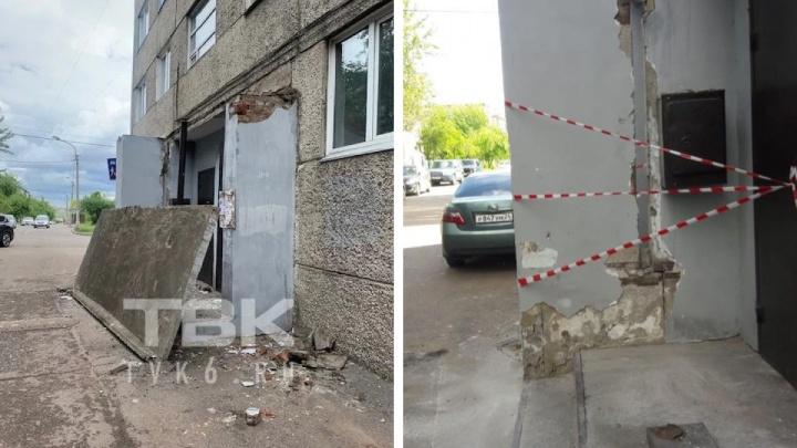 Бетонный козырек обвалился на Карбышева. Что произошло?