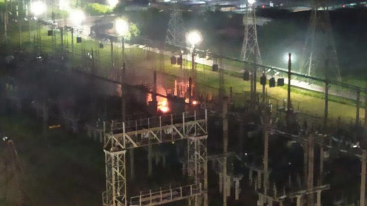 Электрическая подстанция вспыхнула в Кировском районе