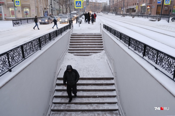 Возможность пересечения улицы Цвиллинга появилась как временный вариант, пока шел ремонт подземного перехода