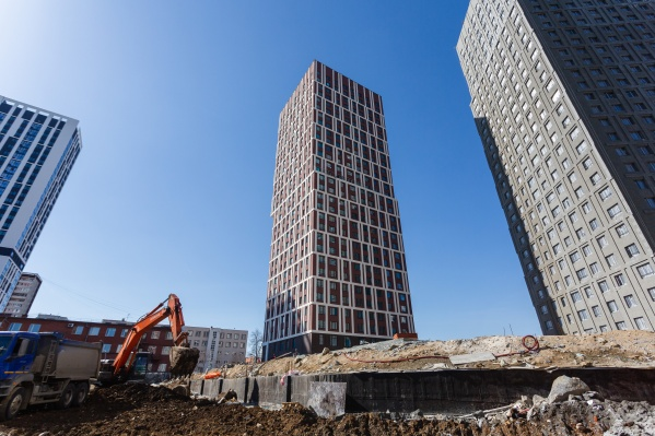 Рядом с башнями «Паркового квартала» начали строить новые дома проекта