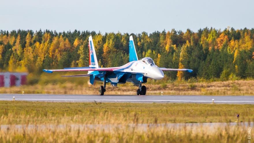 В Сургуте из-за погоды перенесли выступление пилотажной группы «Русские Витязи»