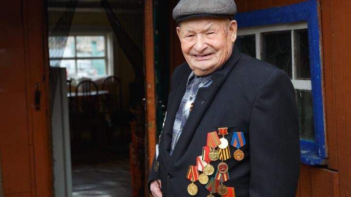 «Жив остался, и ладно»: трогательная история ветерана ВОВ, который в 96 лет ищет невесту