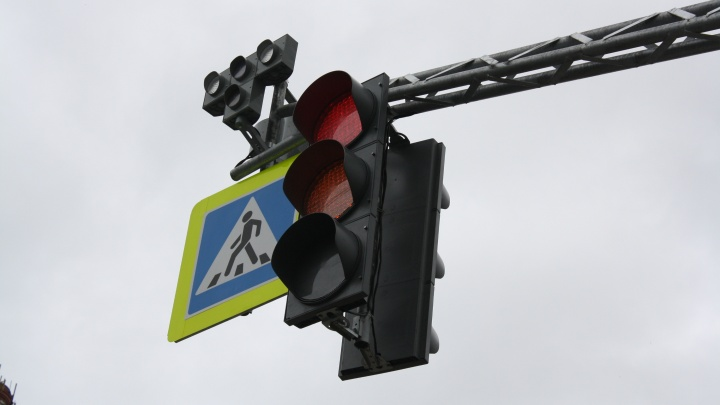 На сложном перекрестке возле Кольцовского тракта появятся светофоры: схема