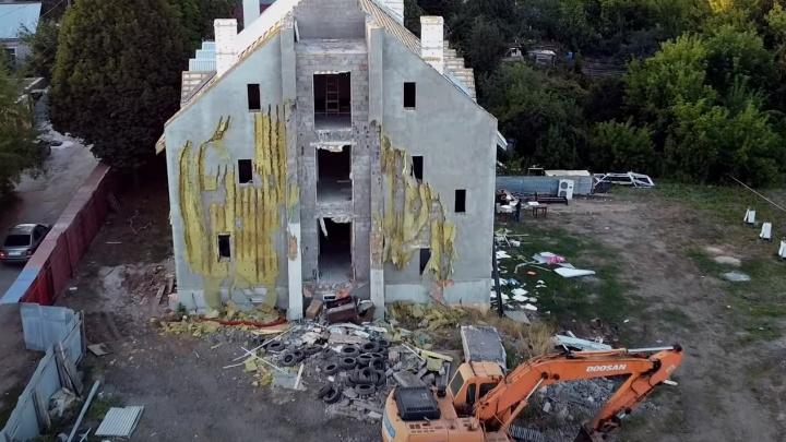 «Раздели здание»: в Самаре начали сносить храм