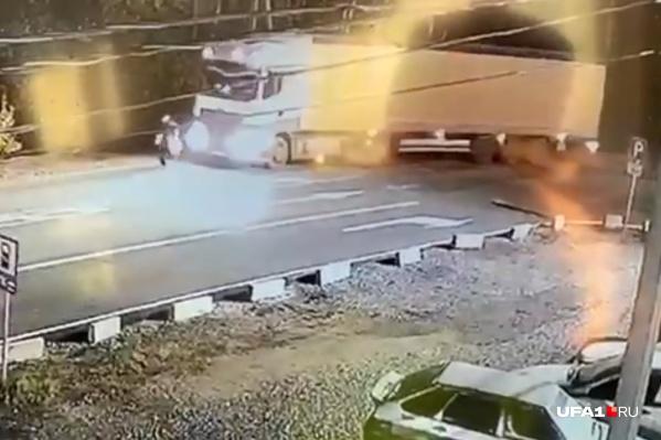 Авария произошла в полседьмого утра на автодороге М-5