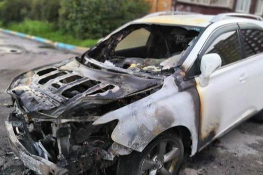 Машину поджигатель нашел случайно в одном из дворов Свердловского района
