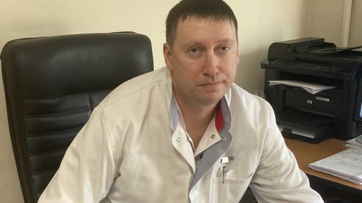 «Вплоть до абсцесса мозга»: отоларинголог рассказал об опасности назальных капель и последствиях храпа