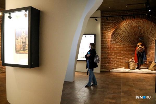 Выставки работают в трех башнях