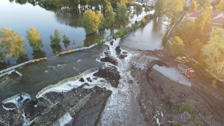 Прямой эфир с места наводнения в Верхней Салде