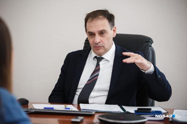 По словам Алексея Цигельника, власти сейчас могут прогнозировать дальнейшее развитие ситуации с распространением коронавируса